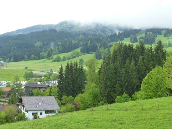 Hotel Nesselwanger Hof: Blick auf die Alpspitze
