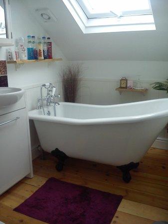 Linnies York B&B: Beautiful bathroom