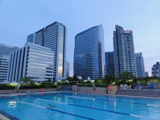 Trinity Silom Hotel: View from pool