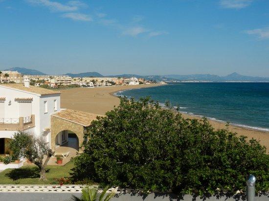 Noguera Mar Hotel: beach view