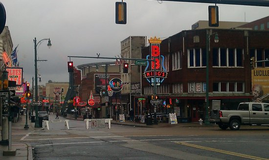 Hampton Inn & Suites Memphis - Beale Street: Half a block from the action on Beale St
