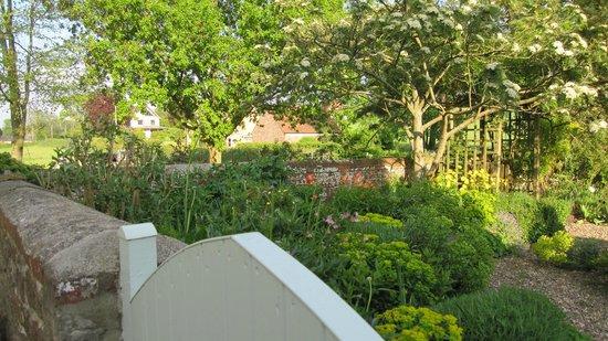 Carents Farm: Corner of the garden