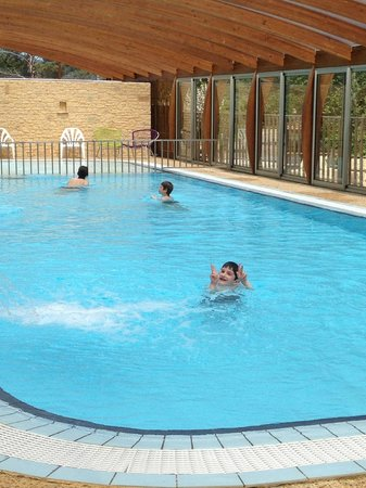 Camping Le Montant : piscine