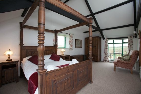 Treworgie Barton: Bedroom in Bligh