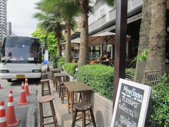 Adelphi Suites Bangkok: Monsoon