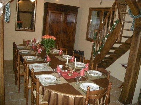 Chambre d'hote Chez Elsa et Gildas : salle à manger