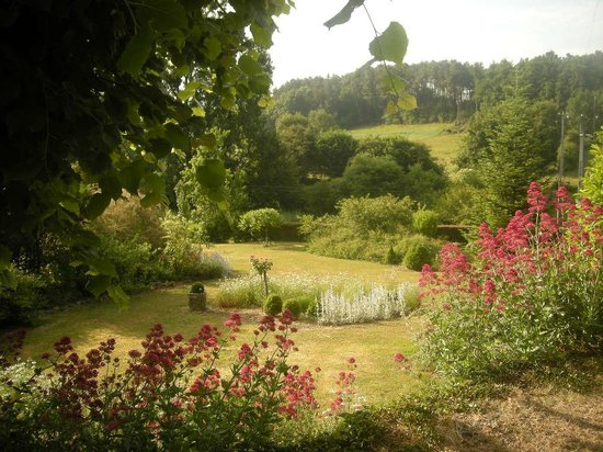 Chambre d'hote Chez Elsa et Gildas : jardin