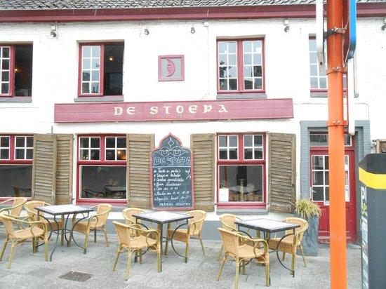 De Stoepa: Locale caldo ed accogliente, cibo di buona qualità con gusto.