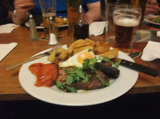 The Refreshment Rooms: the mixed grill is to die for !