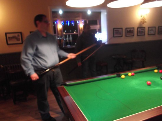 The Refreshment Rooms: good pool table !