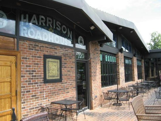 Harrison Roadhouse: Patio seating in front