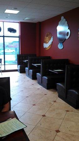 Linwood bagel : waitress service
