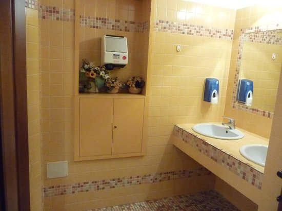 Bagno di servizio picture of desiree villamarina cesenatico