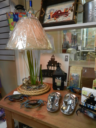 The Candleberry Shoppe: Beautiful table top items