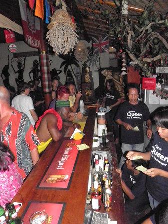 New Queen Pub & Restaurant : good atmosphere!