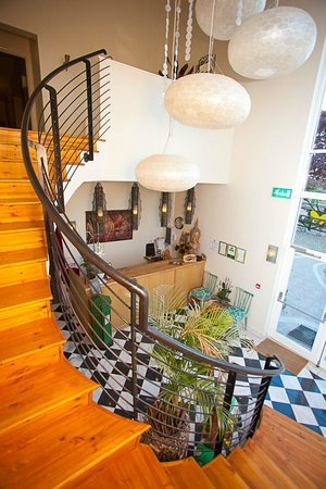 The Three Towers Eco House & Organic Kitchen: Entrance Hall