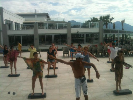 Palm Wings Beach Resort : Step Aerobic with Cem Efecan