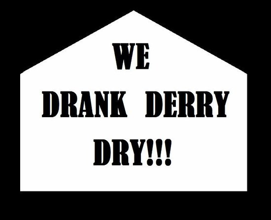Historic Derry Pub Tour: look out for our t shirts!!