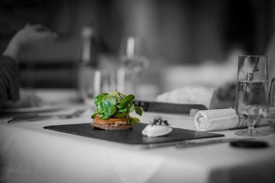 restaurant l'Argousier : Blinis de saumon fumée et crème acidulée