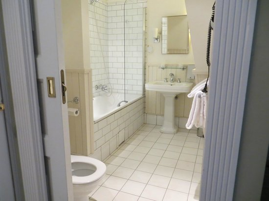Clarion Collection Hotel Bastion: Bathroom - superior double room