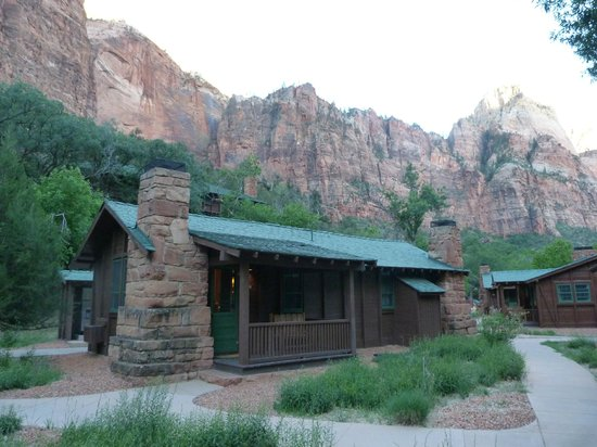 Cabin exterior picture of zion lodge zion national park for Cabin zion national park