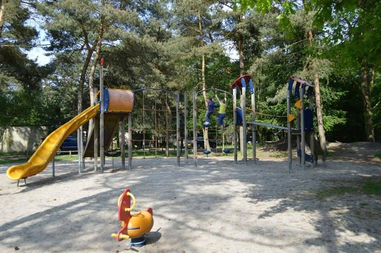 Center Parcs de Vossemeren: Play area near the petting zoo