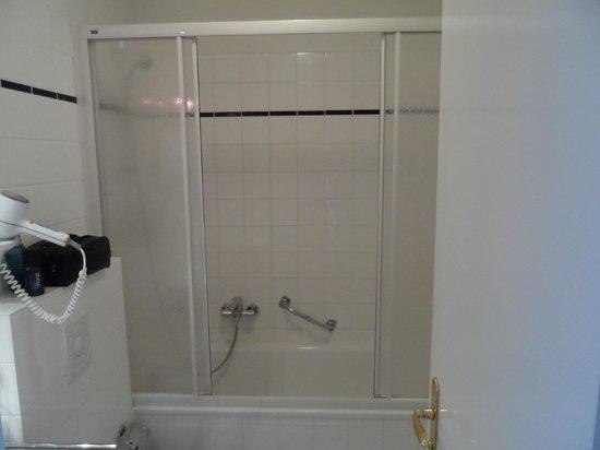 Hotel Lindenufer: Badezimmer