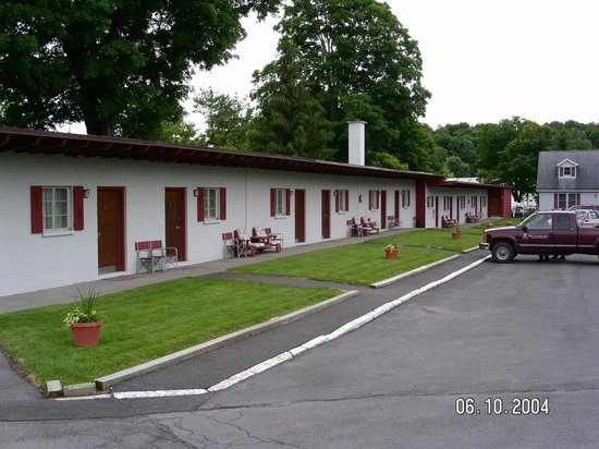 The Village Motel: Outside view