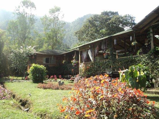 """Mindo, Ecuador: Nuestras cabañas familiares """"El Remanso"""""""