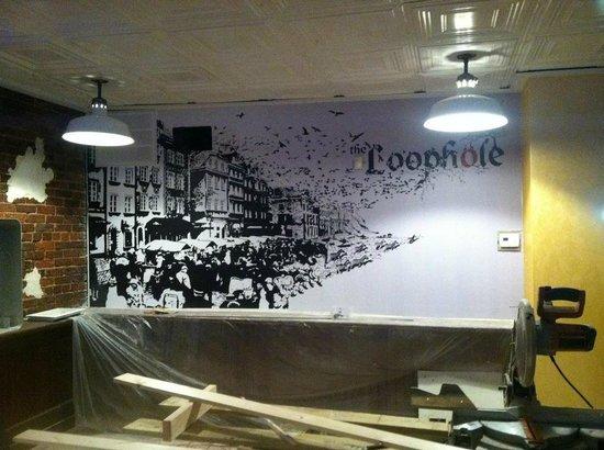 Loophole Gastropub & Ale House: Back wall