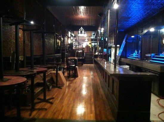 Loophole Gastropub & Ale House: bar
