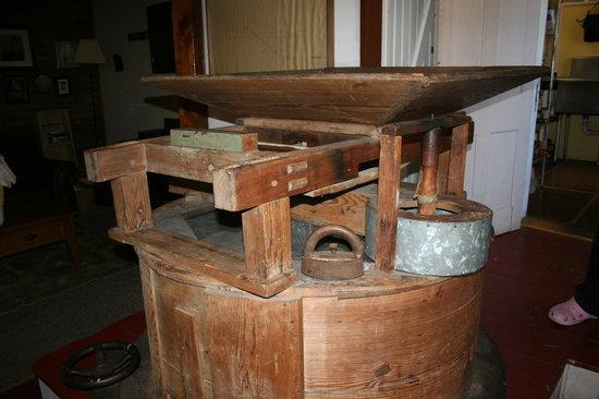 The Olde Mill Inn Bed & Breakfast: Mill 1800's