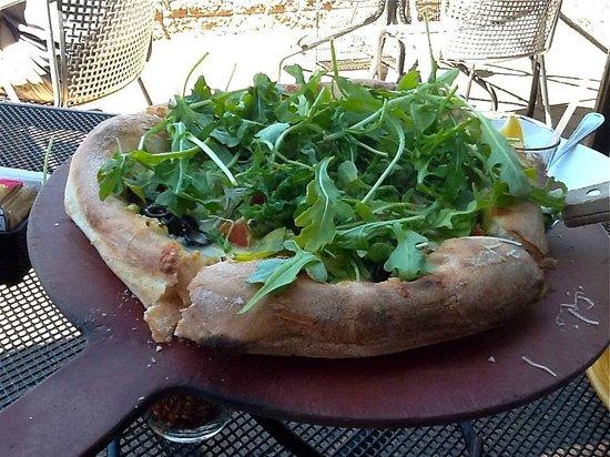 Picazzo's Organic Italian Kitchen: Add arugula on pizza free.