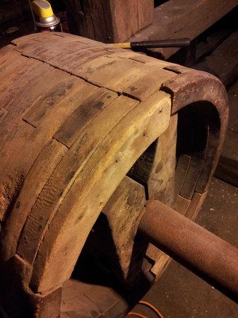 The Olde Mill Inn Bed & Breakfast: Mill bearing