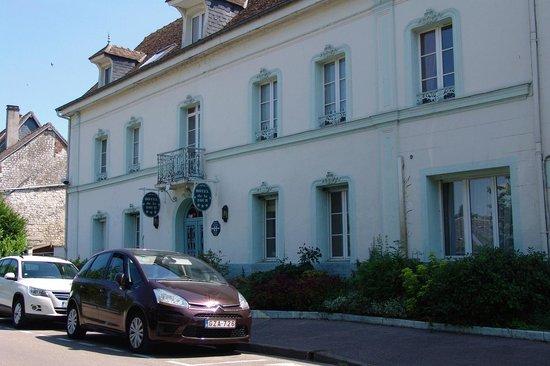 Hotel De La Tour : Une belle petite ville !