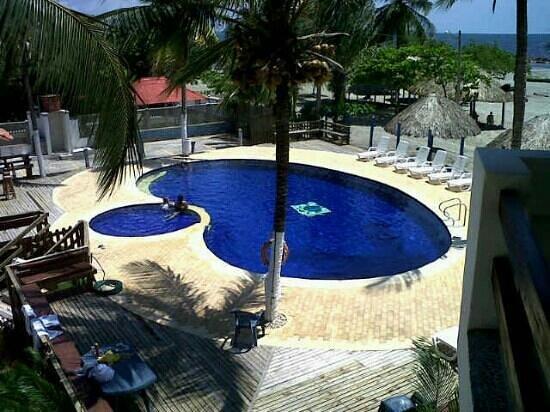 Las palmeras beach resort cove as colombia opiniones for Follando en la piscina del hotel