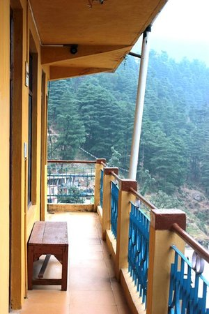 Yellow Guesthouse: The balcony outside