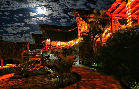 Hacienda Puerta Del Cielo Eco Spa: Moonshines over the Hacienda