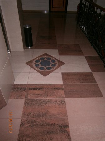 Basar Hotel: Great tile work