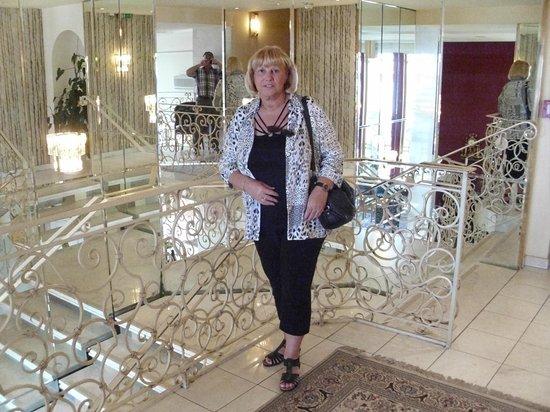 Hotel City Central: Treppenaufgang zu den Zimmern