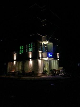 Hotel UI Inn: UI Inn의 야경