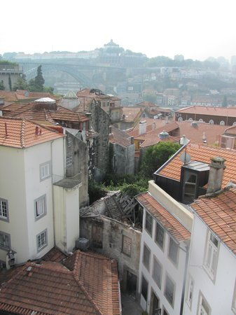 Dixo's Oporto Hostel: The view from the roof