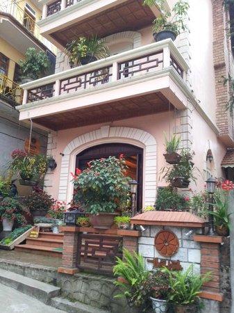 Thai Binh Sapa Hotel: Hotel exterior