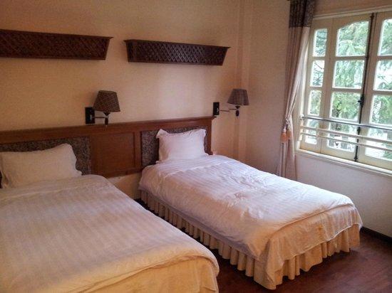 Thai Binh Sapa Hotel: The twin beds