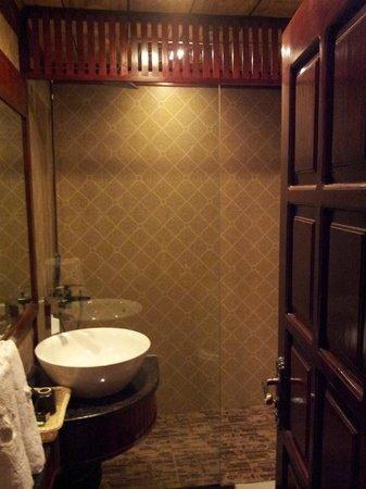 Thai Binh Sapa Hotel: Bathroom