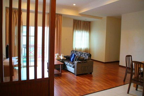 Iris Apartment House Jpg