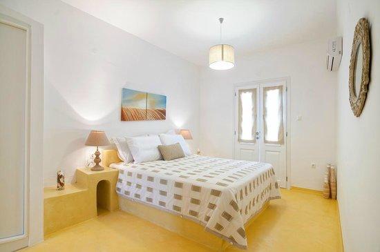 Villa Kelly Rooms & Suites: Apartment Pool View