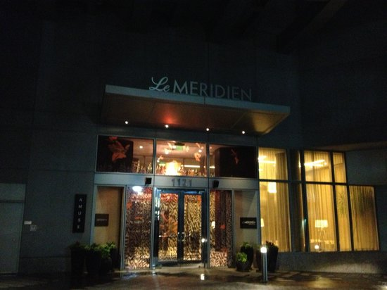 Le Meridien Arlington : Outside view
