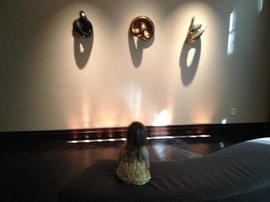 Le Meridien Arlington : Lobby art