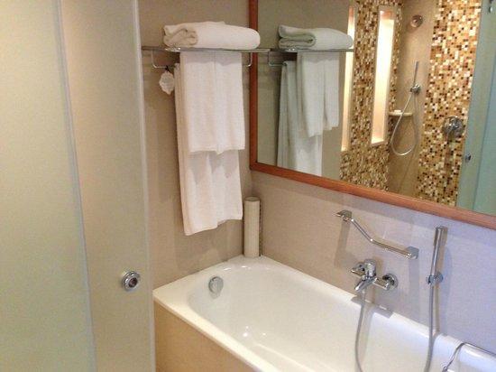 Sankara Nairobi: Reflection shows shower